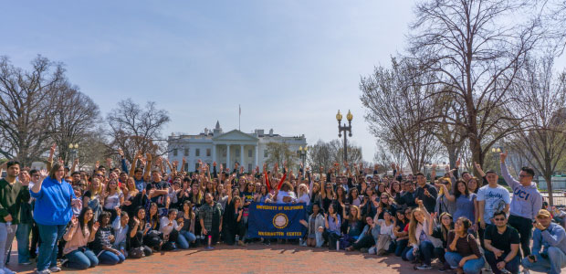 Spring students arrive in Washington, D.C.